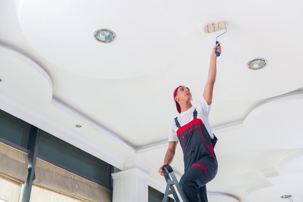 Priming a ceiling
